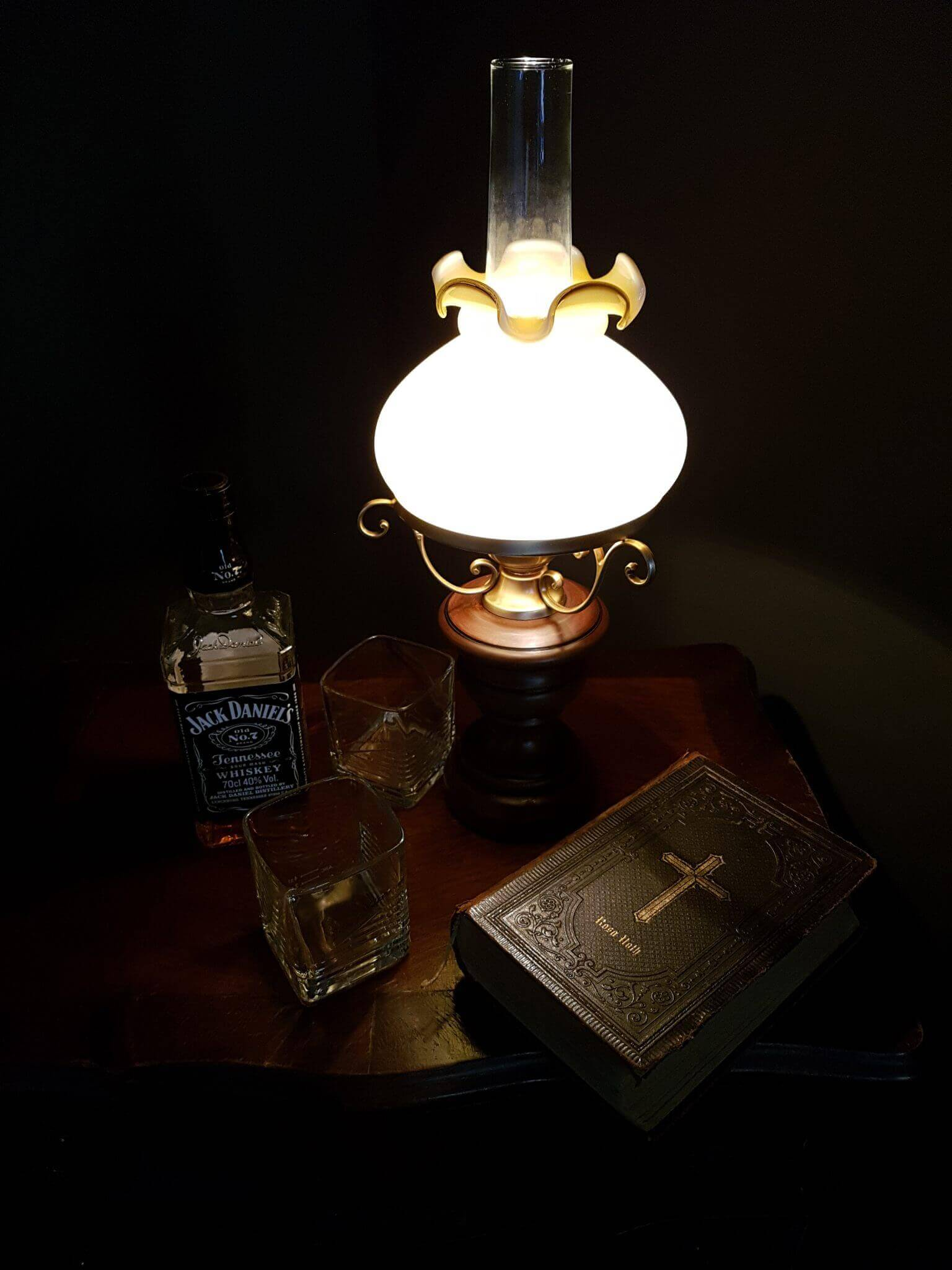 Fotostudio in Berlin - Whiskey- Bibel